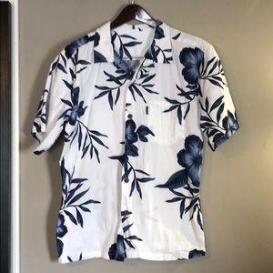 Men's button-up tropical shirt